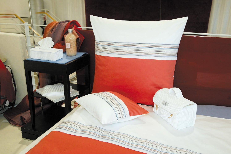 hefel bettw sche zirbenholz schlafzimmer modern ideen mit raumteiler lattenroste geringe. Black Bedroom Furniture Sets. Home Design Ideas