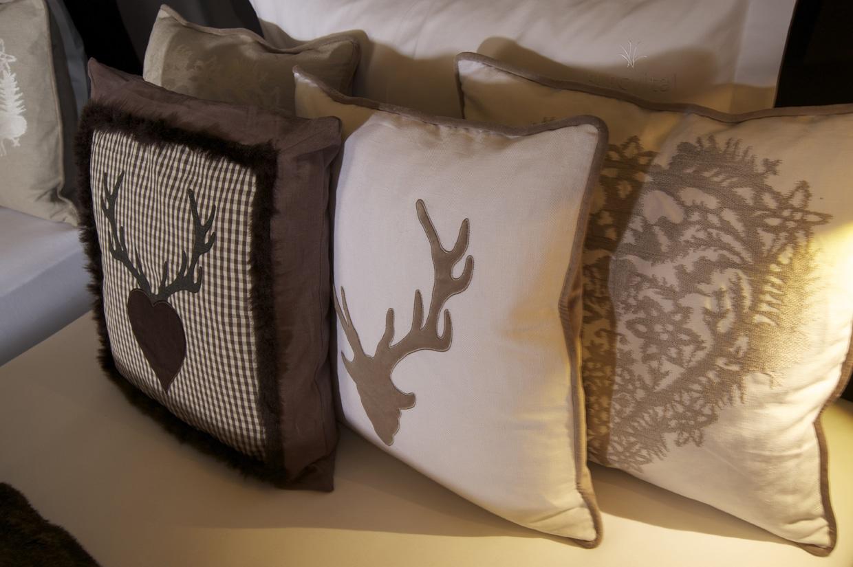 alpin moderne und rustikale stoffe bruno berger gmbh. Black Bedroom Furniture Sets. Home Design Ideas
